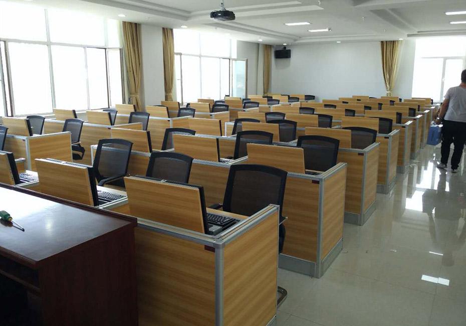 内蒙达拉旗政服务中心德赢体育平台下载安装屏风培训室