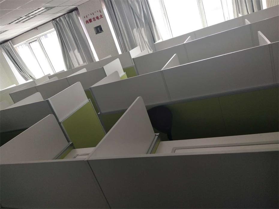 内蒙古广播电视大学德赢体育平台下载安装屏风多媒体教室