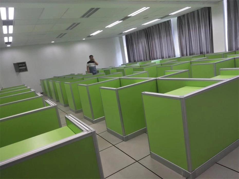 上海复旦大学德赢体育平台下载安装考试桌