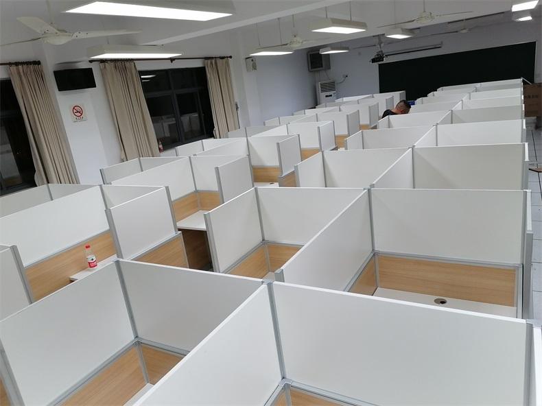 上海大学市北附属中学德赢体育平台下载安装屏风语音教室